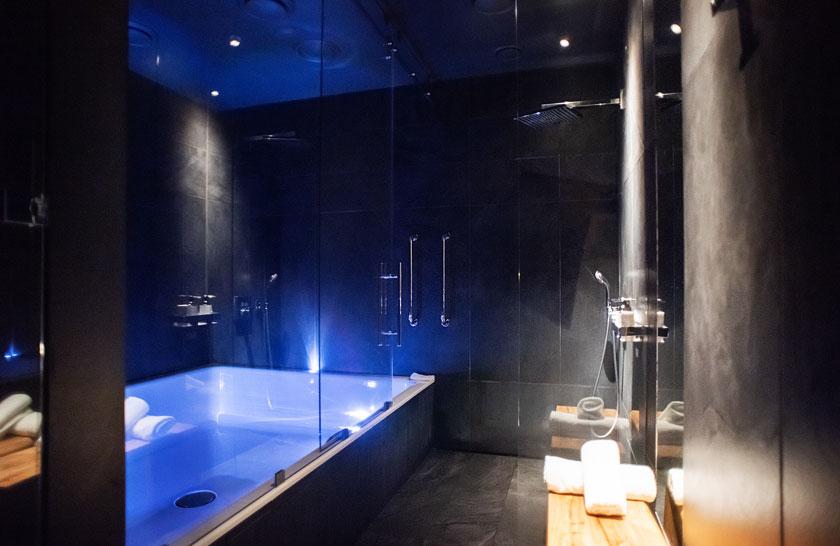 Флоат-комната с флоат-бассейном
