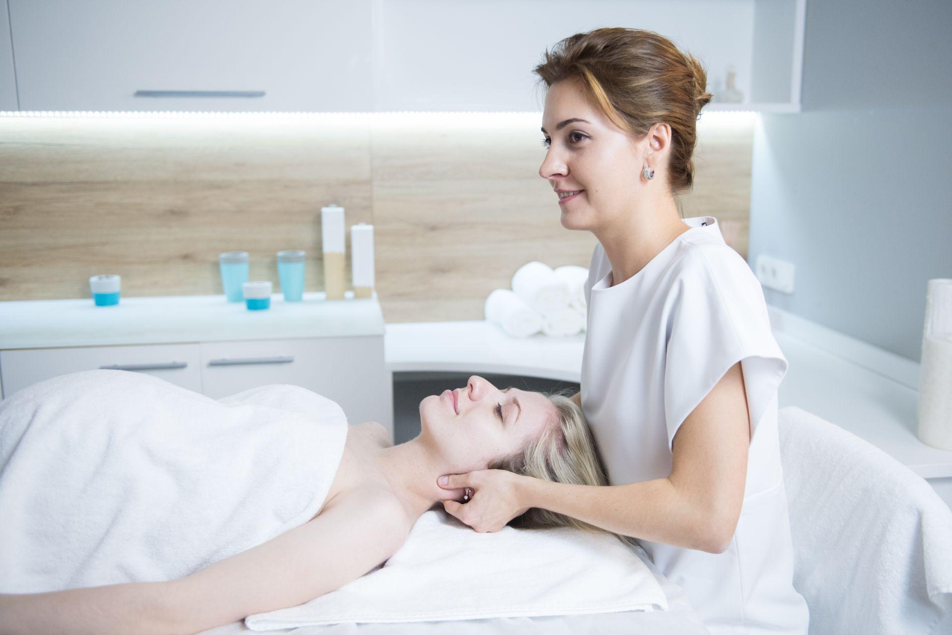 Реоформирующий массаж лица (реоформинг)