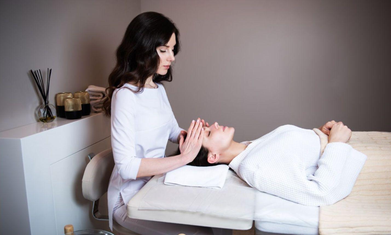 Ароматерапевтический массаж лица на эссенциях