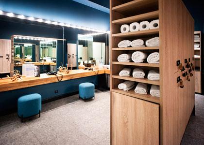 Приглашаем в просторный современный зал для занятий (60 кв. м) в Центре Wellcure на Баррикадной. У нас есть всё для глубины и комфорта вашей практики!